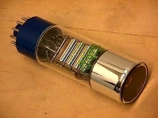 El PMT o Tubo Fotomultiplicador