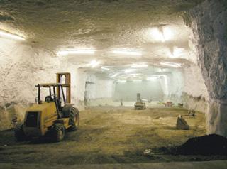 Los túneles subterráneos donde de almacena la colección Corbis-Benttman, popiedad de Bill Gates.